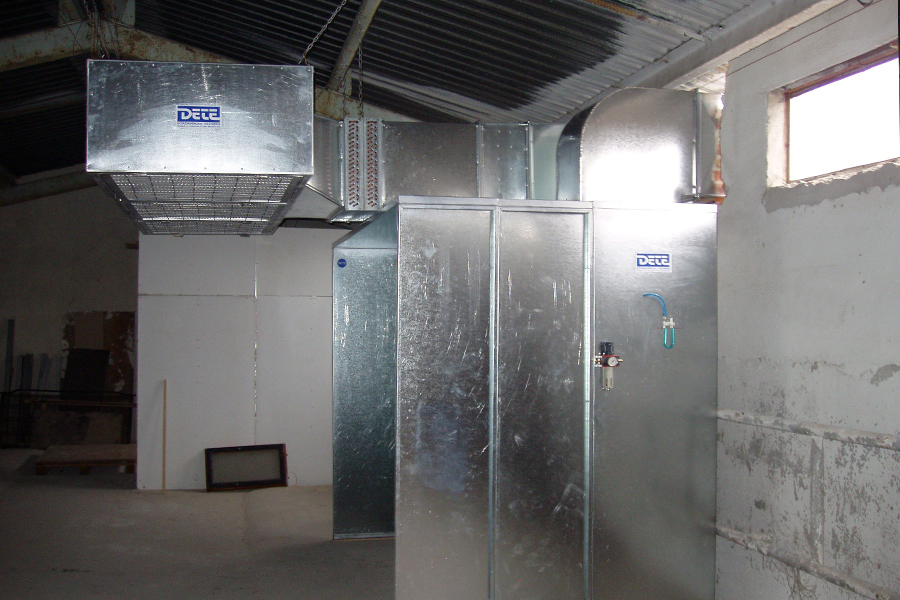 Dry filter spraying booth  - side-view