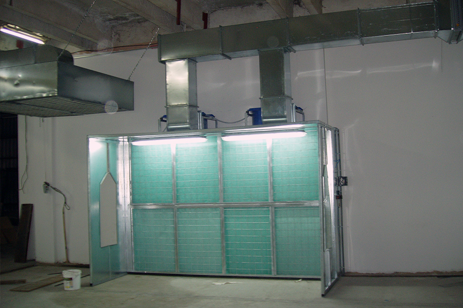 Two-door passage booth with dry filter