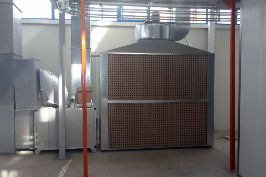 Dry filter spraying booth